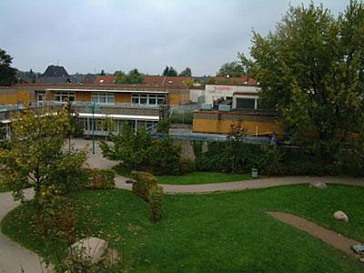 """Der Social Club befindet sich im ehemaligen """"Jugendforum"""", in dem auch ein Kindergarten untergebracht ist"""