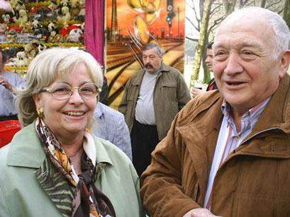 Katharina Gottschling gratuliert Rudi Lisken